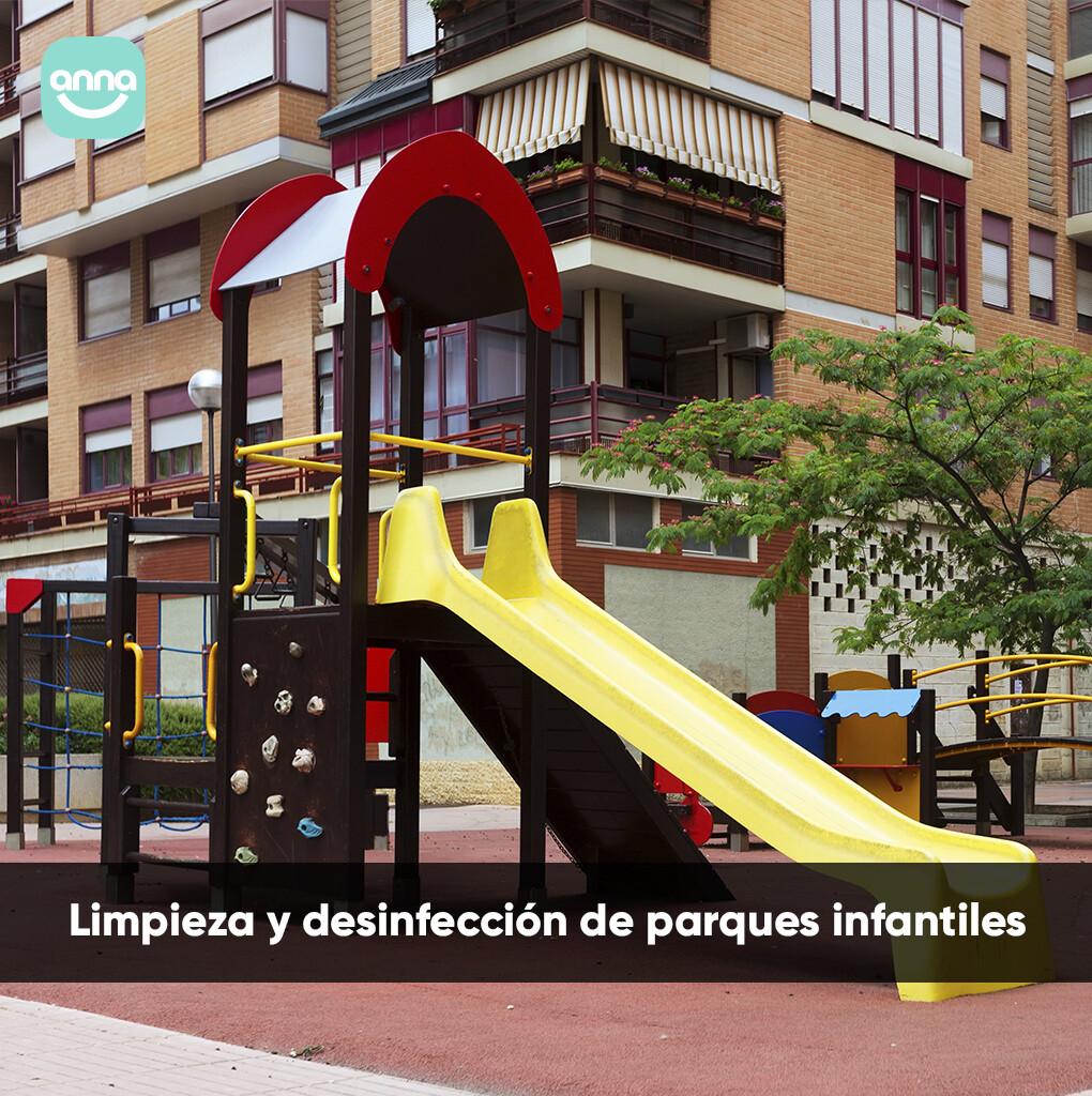 Limpieza y desinfección de parques infantiles.